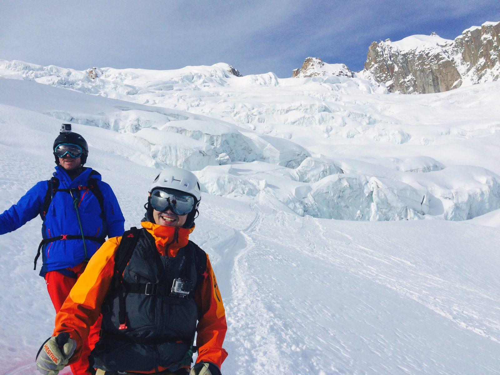Skieurs sur la vallée blanche avec un guide de l'école de ski ZigZag