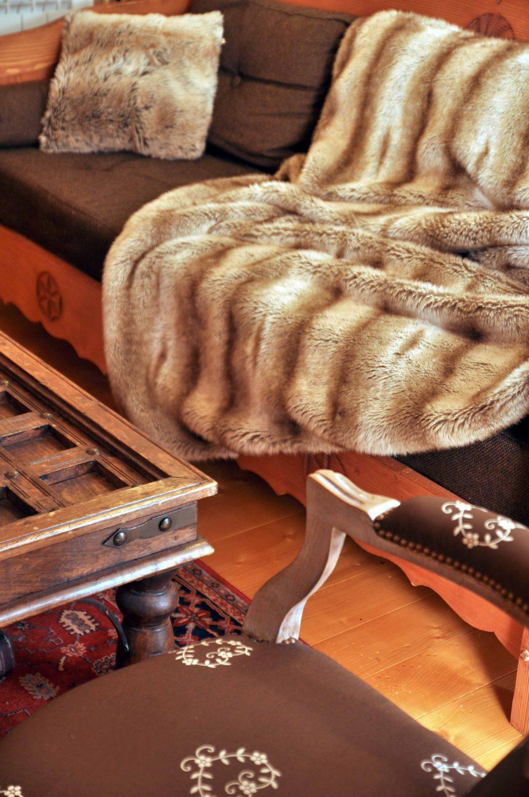 Canapé et plaid
