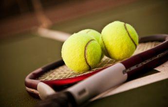 Court de tennis à Morillon 1100