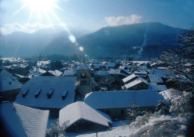 Le Bérouze se situe au coeur du village de Samoëns