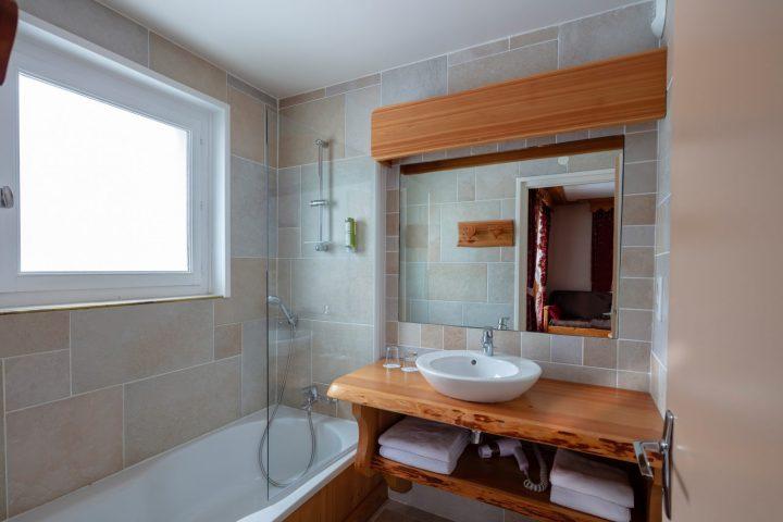 Salle de bain chambre double bâtiment annexe