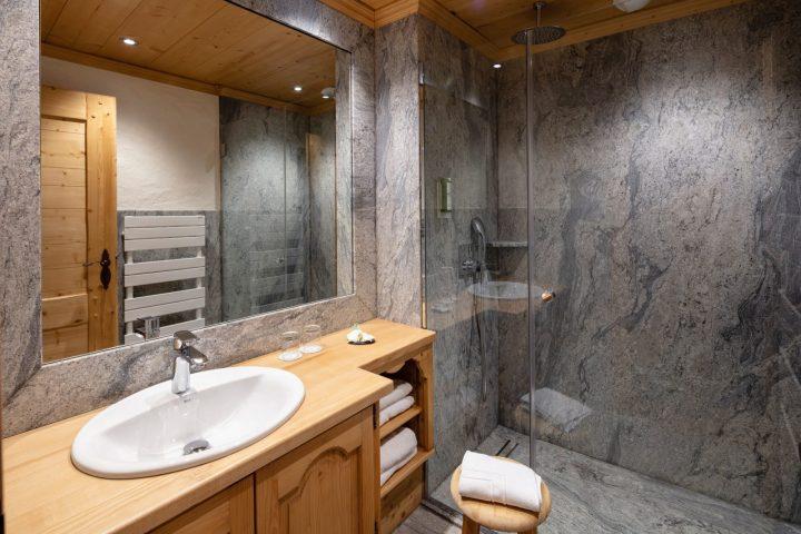 Salle de bain chambre twin supérieure
